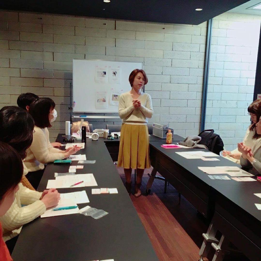 アロマ講座を始めとする、グループでのワーク付き講座も開始していきます